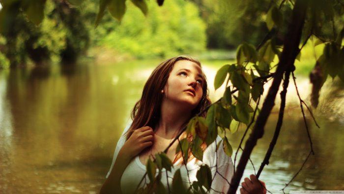 ağaç kadın nehir